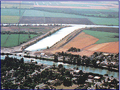 BIRDS-EYE VIEW OF DELTA CROSS CHANNEL BETWEEN SACRAMENTO RIVER AND SNODGRASS SLOUGH